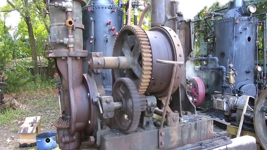 老古董了,清朝时期的地质钻机,用蒸汽驱动,启动后的声音简直是跨世纪的乐章。